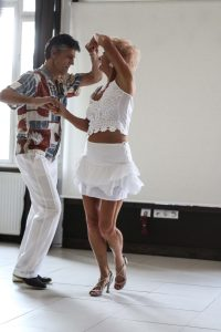 táncoktatás, Mirávos